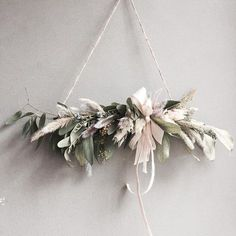 I don't know wth this is but I like it Xmas Wreaths, Christmas Decorations, Holiday Decor, Arte Floral, Dried Flowers, Paper Flowers, Floral Garland, How To Preserve Flowers, How To Make Wreaths
