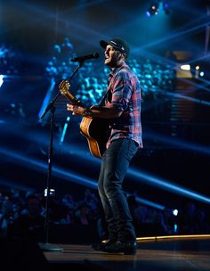 Luke Bryan Photos - Singer Luke Bryan performs onstage during the 2016 American Country Countdown Awards at The Forum on May 1, 2016 in Inglewood, California. - 2016 American Country Countdown Awards - Show