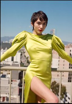 Rowan Blanchard - Get the latest clothes,outfits and style photos and videos today! Willow Smith, Naomi Scott, Jonathan Scott, Don Draper, Rowan Blanchard, Girl Next Door, Mad Men, Athleisure, Barbie Ferreira