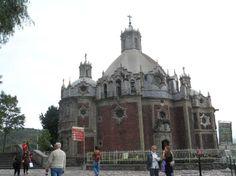Capilla Del Pocito, no entorno da Basílica de N Sra de Guadalupe,cidade do México. Foto : Cida Werneck