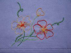 PONTO REPOLEGO          O REPOLEGO é um ponto de bordado ótimo para ser aplicado em galhos de flores ou num bordado que queira realçar um ...