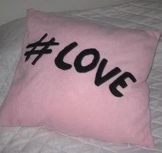 # hashtag kissen , #love