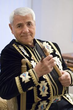 Djivan Gasparyan- mistrz gry na Duduk, muzyk, kompozytor. 4 medale UNESCO. Wystepy z Peter Gabriel, Sting, Lionel Richie, Hans Zimmer.