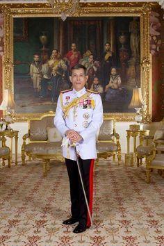 Long Live His Majesty King Maha Vajiralongkorn, Rama X of Chakri Dynasty King Rama 10, King Phumipol, King Of Kings, King Queen, Crown Prince Of Thailand, King Thai, Order Of The Garter, Queen Sirikit, African Royalty
