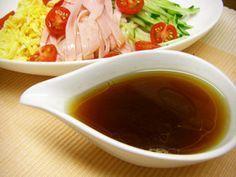 冷やし中華のタレ (料理人直伝レシピ)だそうな☺ 水 300cc, 酢100cc, 砂糖 大3, 塩 小1, 顆粒コンソメ 大3, 醤油 大4, ごま油 小2 この分量で (4人分×2回分) Rillettes Recipe, Japenese Food, Some Recipe, Salad Dressing, Chinese Food, Asian Recipes, Spices, Food And Drink, Yummy Food