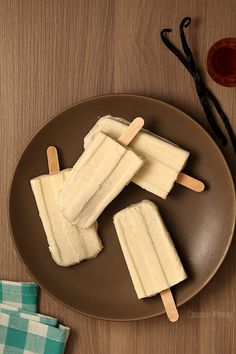 If you love fudgesicles, then you're going to love these Vanilla Bean Creamsicles that taste like vanilla ice cream on a stick but more fun to eat. Get the recipe at www.chocolatemoosey @chocolatemoosey