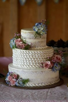 rope wedding cake by QuilliansGrill - http://cakesdecor.com/cakes/306677-rope-wedding-cake