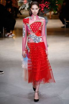 Viktor & Rolf Spring/Summer 2017 Couture Collection | British Vogue