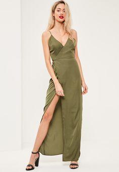 Zielona jedwabna sukienka maxi z głębokim dekoltem - Missguided