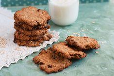 Biscuiti cu ovaz si stafide super simplu de pregatit, fara ou si zahar adaugat. Biscuit, Cookies, Chocolate, Desserts, Food, Crack Crackers, Tailgate Desserts, Biscuits, Schokolade