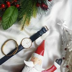 Happy early Christmas to me! ×× Thanks to the team at @thepeachbox / @marcbaleofficial for making my December shine a little brighter. 😍😍 ×× I was eyeing off another watch and now you've made my dreams come true. 🙌🙌 ps: Anything gold makes me happy af. 😎😎 ×× To treat yoself, use 'BARGAINBAGLADY' to get 15% off your very own bling 😎😎 Merry Christmas all! #marcbaleofficial #thepeachbox #bargainbaglady #gifted × × ×