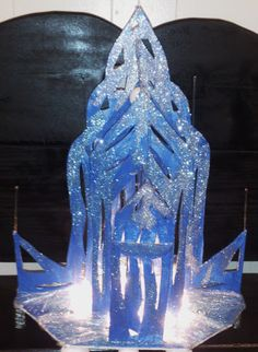 Frozen castle center piece for birthday party by stickiescreations