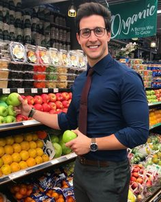 doctor Mike bought fruit for my health Dr Mike Varshavski, Hot Doctor, Man Office, Office Style, Dark Men, Mein Style, Business Outfit, Men In Uniform, Men Style Tips