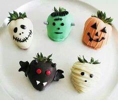 Chocolate covered Strawberries – Easy Halloween Snacks for Kids - 30  Creative Halloween Ideas  <3 <3