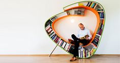 Zit je altijd met je neus in de boeken en wil je constant worden omringd door boeken? Dan is de boekenwurm van Atelier 010 iets voor jou. http://www.wonenonline.nl/interieur-inrichten/interieur-boekenwurm.html#