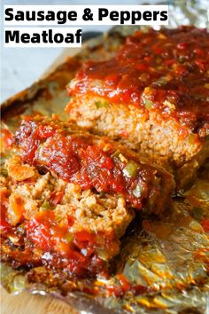 Sausage and Peppers Meatloaf is an easy meatloaf recipe using two pounds of mild Italian sausage meat and loaded with diced green peppers, red peppers and onions all in a sweet and spicy tomato sauce. Good Meatloaf Recipe, Easy Meatloaf, Meatloaf Recipe With Sausage, Stuffed Meatloaf Recipes, Ground Beef Recipes, Pork Recipes, Cooking Recipes, Easy Sausage Recipes, Sausage And Peppers