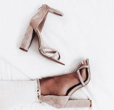 nude heels / cute shoes