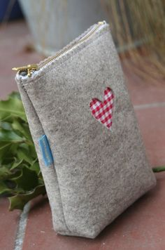 felt pouches with heart