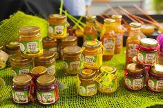Scopri le magnifiche confetture della Huerta de Ina, una micro-impresa famigliare attiva dal 2005 e specializzata nella coltivazione di frutti tropicali esotici per la realizzazione di conserve Gourmet-Agroecologiche-Artigianali