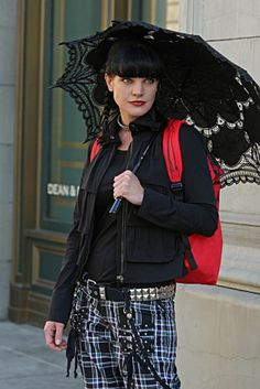 Pauley Perrette us science gals need to stick together! Great actress!