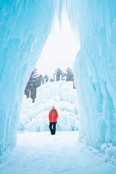Looking for a truly unique winter travel experience? Find out where you  can find the most beautiful Ice Castles in the United States. Plus get  tips for visiting Ice Castles, the most Instagrammable place in the USA.  With locations in New Hampshire, outside of Boston; in Colorado, near  Denver; in Wisconsin, near Chicago and Milwaukee; and in Utah, outside  of Salt Lake City, these ice castles are a great winter getaway for  families. #wintertravel #icecastles #traveltips #bucketlist Canada Travel, Usa Travel, Wisconsin Winter, Travel Articles, Travel Advice, Travel Tips, Ice Castles, Holidays Around The World, Winter Destinations