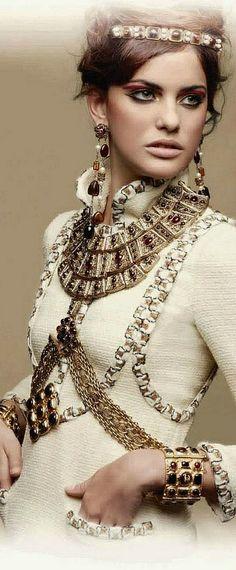 "Chanel ""Paris-Byzance"" .•♥•.¸♡¸.•♥•."