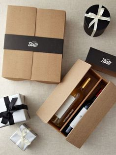 A fun way to package wine. Gift Box Packaging, Bottle Packaging, Pretty Packaging, Simple Packaging, Wine Design, Bottle Design, Box Design, Wine Gift Boxes, Wine Gifts