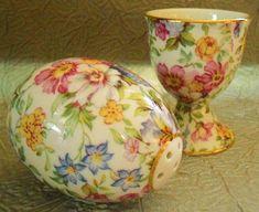 Chintz pattern egg cup