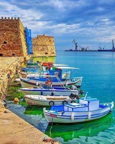 Mykonos Greece, Crete Greece, Athens Greece, Santorini, Crete Island, Greece Islands, Greece Wallpaper, Places To Travel, Travel Destinations
