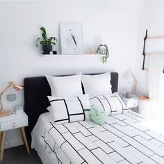// Black Leather - Copper Ladder // This is @prettytidy_roshnee bedroom. It is amazing. Our ladder loves living here. More ladders like this on the website looking to live in beautiful homes too.
