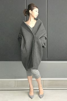 Gray Peacoat for winter. Japanese Fashion, Asian Fashion, Love Fashion, High Fashion, Winter Fashion, Womens Fashion, Fashion Design, Moda Chic, Mode Inspiration