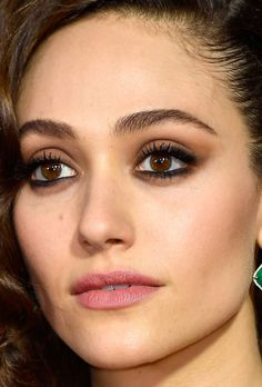 Close-up of Emmy Rossum at the 2017 Emmy Awards.