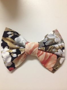 Vintage Floral Bow (size small). $4.50, via Etsy.