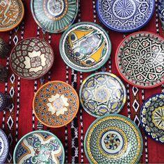 O comércio no Marrocos é muito rico em artigos de decoração e objetos em couro. Em todos os lugares que passamos era possível encontrar peças de ótima qualidade por preços super convidativos. Não se esqueçam, a pechincha é certa, sempre!