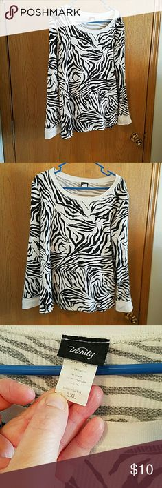 Zebra print thermal Size 2xl junior from Vanity. Previously loved. Slight fading under arms, not noticeable when wearing. No rips, tears, stains. Vanity Tops Tees - Long Sleeve