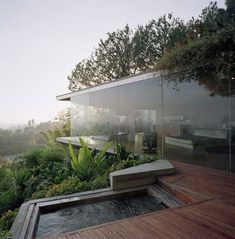 I've seen this house somewhere before - somewhere in LA I think, very inspiring design.