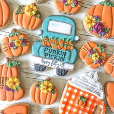 Halloween Cookies That You Must Know Candy Corn Cookies, Apple Cookies, Fall Cookies, Iced Cookies, Cut Out Cookies, Cute Cookies, Royal Icing Cookies, Holiday Cookies, Cupcake Cookies