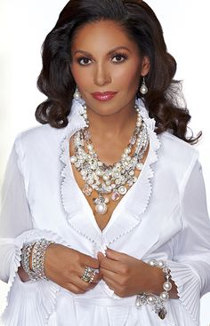 """PEARLESQUE 18""""-21"""" Necklace & Pierced Earring Set 20""""-24"""" Pearl Necklace & Pierced Earrings Set Stretch Pearl Bracelet  BUNCH OF BLING Rhinestone Stretch Bracelets Rhinestone Stretch RingS"""