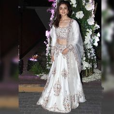 10 Bollywood Ethnic Looks Inspired From Alia Bhatt | Fashion Tips - Indiarush