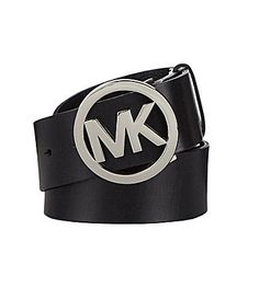 Complete your look with this logo belt from Michael Kors.