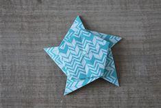 Mobile d'étoiles en origami - Dans les boîtes d'Eliaure... Xmas, Star Mobile, Paper Mobile, Bricolage Noel, Christmas, Navidad, Noel, Natal