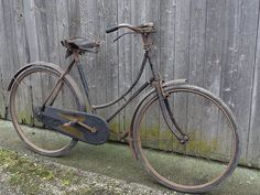 Bike Ideas, Wheeling, Royal Enfield, Bicycles, Lincoln, Cycling, British, Retro, Antique Bicycles