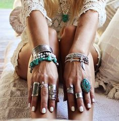Nothing says coachella like boho style jewellery Bohemian Jewelry, Bohemian Style, Boho Chic, Bohemian Rings, Hippie Gypsy, Hippie Chic, Hippy, Jewelry Accessories, Fashion Accessories