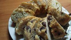 Το πιο αφράτο τυρόψωμο - ελαιόψωμο που φάγατε ποτέ      Υλικά  για την ζύμη 550 γρ. αλεύρι για όλες τις χρήσεις  80 γρ. σπορέλαιο 350 γρ. ... Muffin, Homemade, Snacks, Breakfast, Food, Morning Coffee, Appetizers, Home Made, Essen