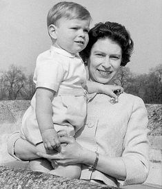 Former nanny's letters provide a rare glimpse of the Queen's private family life | Daily Mail Online