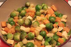 Spruitjes mix (zoete aardappel, knolselderij, pastinaak) Sprouts, Sweets, Vegetables, Fruit, Food, Winter, Winter Time, Gummi Candy, Candy