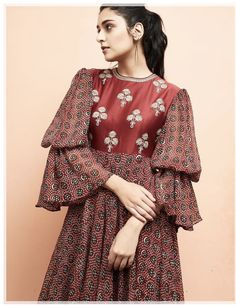 Discover recipes, home ideas, style inspiration and other ideas to try. Kurti Sleeves Design, Sleeves Designs For Dresses, Dress Neck Designs, Blouse Designs, Kurta Designs, Formal Dress Patterns, Kids Dress Patterns, Vintage Dress Patterns, Pakistani Fashion Casual