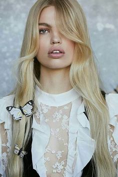 Daphne Groeneveld Models For Love & Lemons' Dreamy Fall 2017 Dresses Fashion Beauty, Girl Fashion, Fashion Brand, Fashion Models, Daphne Groeneveld, Corte Y Color, Healthy Women, Young Models, For Love And Lemons
