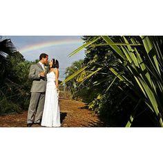 As cores do amor ❤ #ohhappydayfotografiadefamília #casamento #noivos #ensaio #amor #love #wedding #weddingphotography #fotografiadecasamento #casandoembh #casandocomamor #voucasarembh #noivasdebh #bride #bridal #destinationwedding #weddingparty #brideandgroom #rainbow #arcoiris