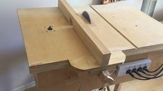 Building 4 in 1 Workshop (Homemade table saw, router table, disc sander,...